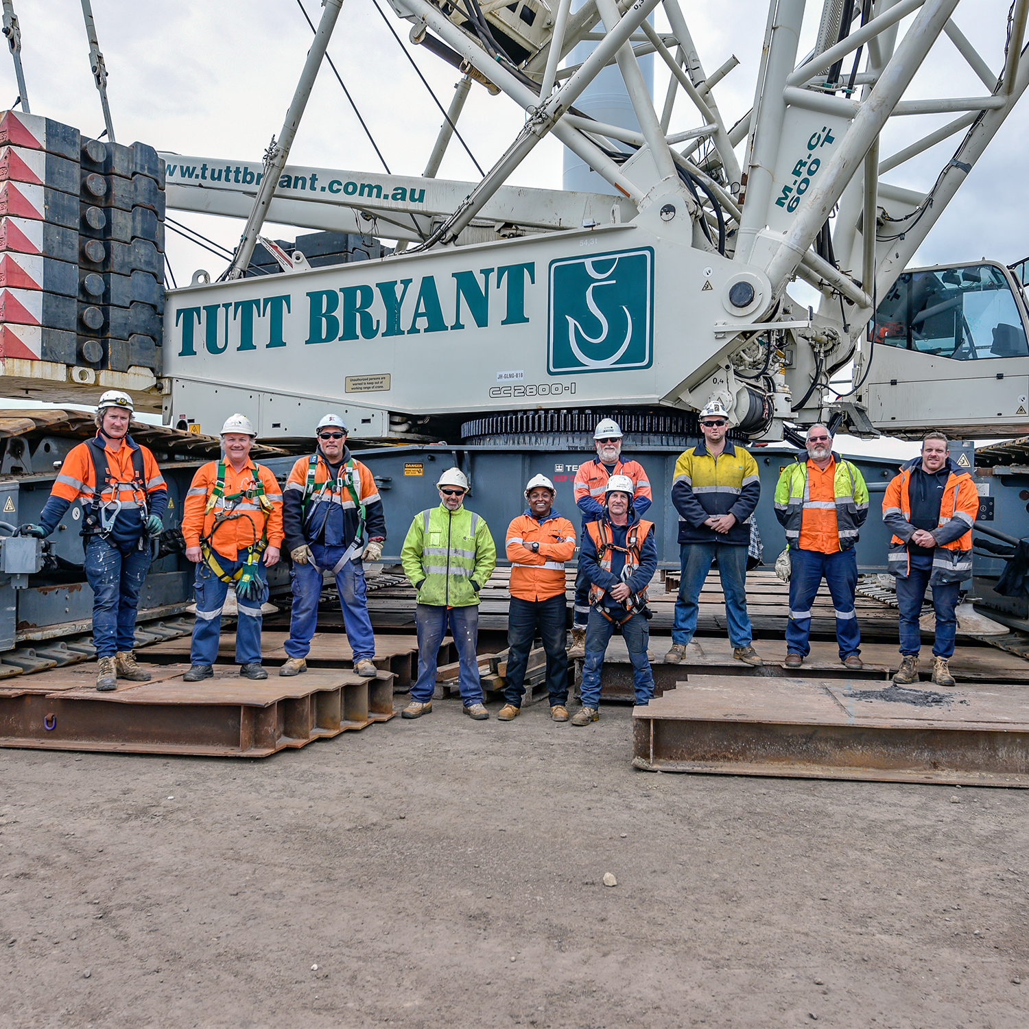 Tutt Bryant Heavy Lift & Shift staff on site
